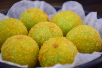 爆浆小丸子 (Bursting Fried Mochi Balls)