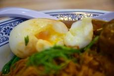 溏心蛋 (Soft Bolied Egg)
